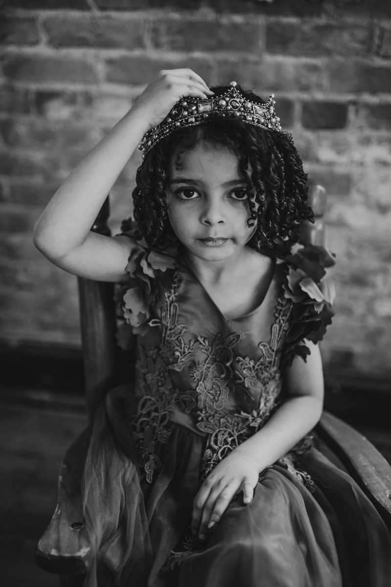 Children Photography, little girl with crown on her head